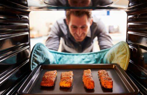 Rețete de somon la cuptor delicioase