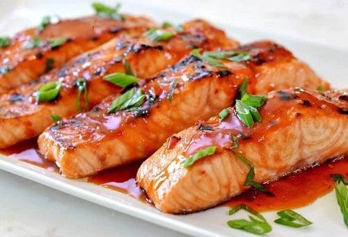 Pește gras în grupul de alimente contra căderii părului
