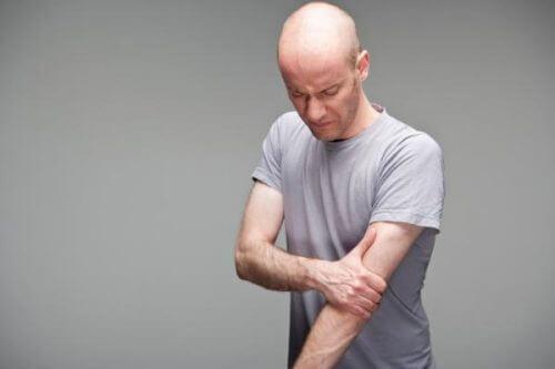 Cauzele tendinitei mușchiului biceps la bărbați