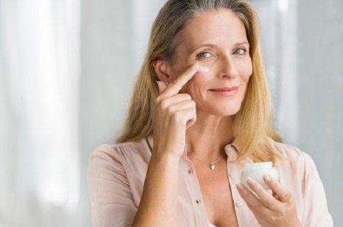 Tonifierea pielii în mod natural cu creme
