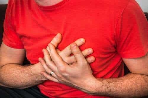 Durerea în piept la tușit: cauze