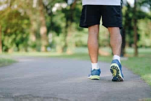 8 motive pentru care mersul pe jos este benefic