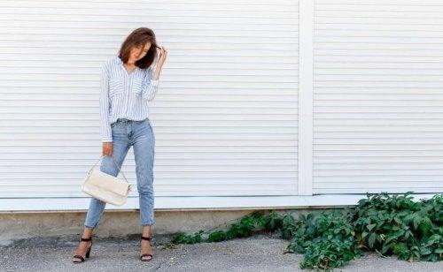 5 ținute pe care trebuie să le ai în garderobă