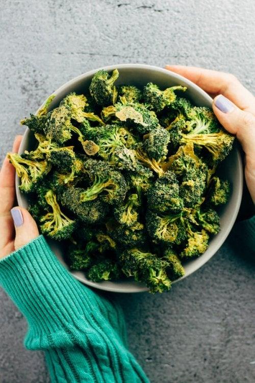 Castron cu broccoli copt