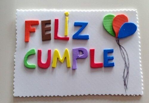 Decorațiuni din hârtie buretată pentru ziua de naștere