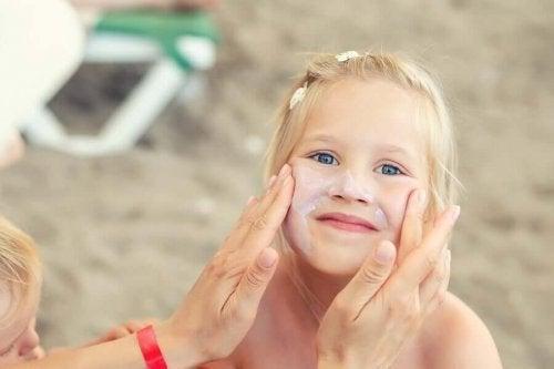 Protecția solară pentru copii: beneficii