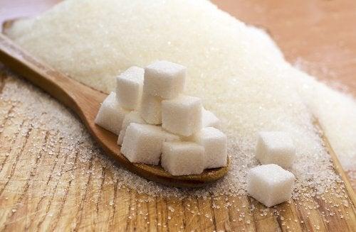 Cuburi de zahăr