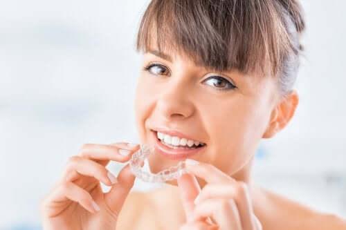 Ce este aparatul dentar invizibil?