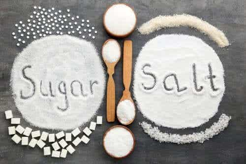 Excesul de sare și zahăr: care este mai rău?