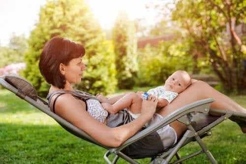 Nașterea vara: sfaturi utile pentru mămici