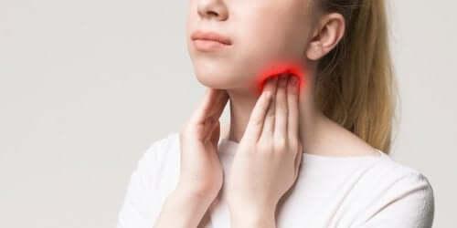 Umflătură la nivelul gâtului: cauze