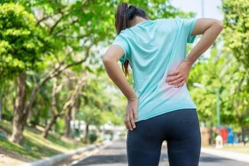3 exerciții pentru durerile de spate 100% eficiente