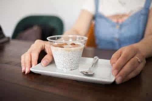 6 gustări sănătoase pentru la serviciu