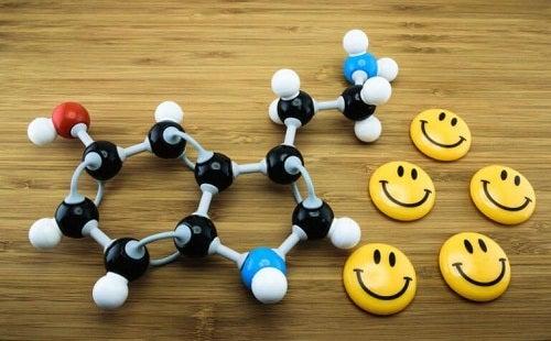 Molecule de serotonină din plastic
