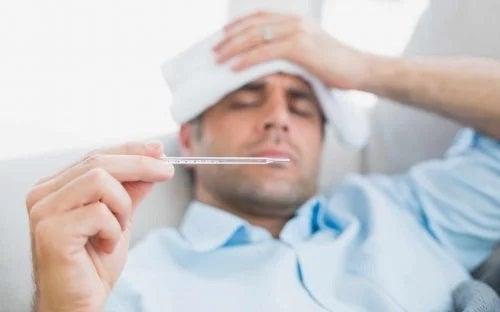 Coronavirusul afectează mai mult bărbații decât femeile