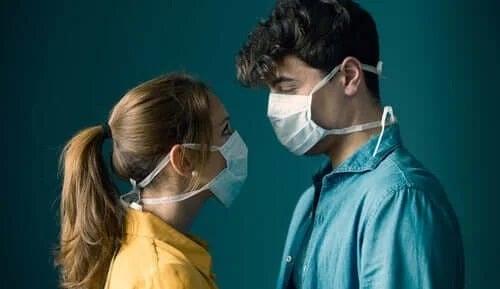 Se poate transmite coronavirusul pe cale sexuală?