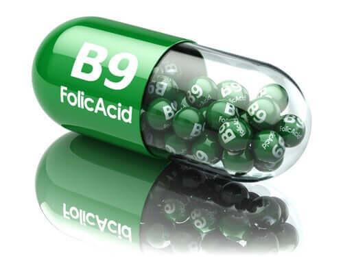 Care sunt diferențele dintre acidul folic și folat?