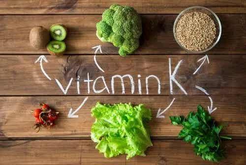 Ce este vitamina K și când este recomandată?