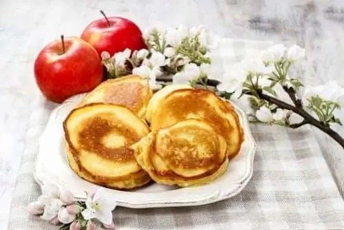 Clătite și mere