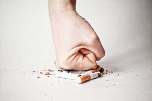 Etapele renunțării la fumat - cum se depășesc cu bine