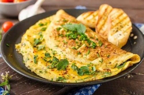 Rețetă de omletă cu spanac, chia și spirulină