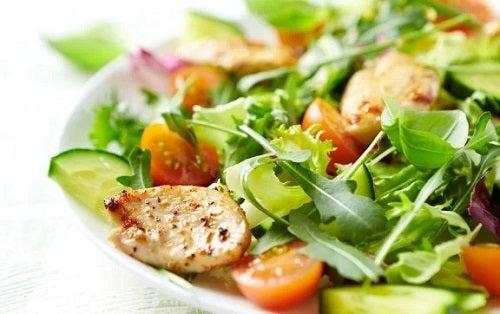 4 rețete de salate delicioase și hrănitoare