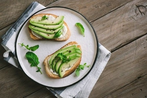 Brânză vegană cu șovârf - o rețetă sănătoasă