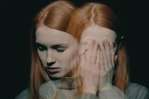 Simptome ale bolilor mintale: 10 semne