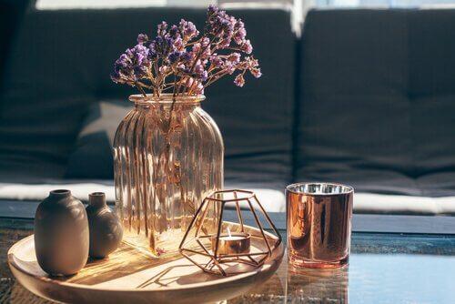 Aplicarea de trucuri pentru curățarea vaselor din sticlă în locuință