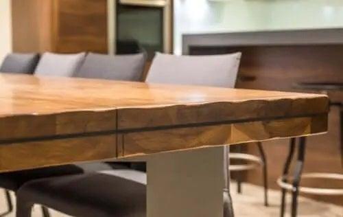 Idei de amenajare pentru o casă primitoare cu lemn