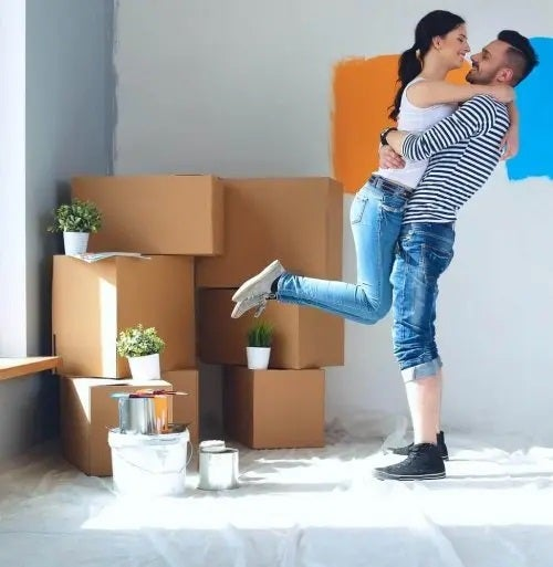 Cuplu care se mută împreună