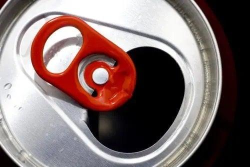 Doză de suc din aluminiu