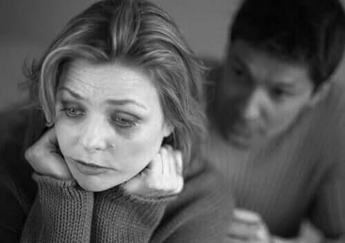 Femeie ilustrând cum sănătatea mintală și anorgasmia se influențează