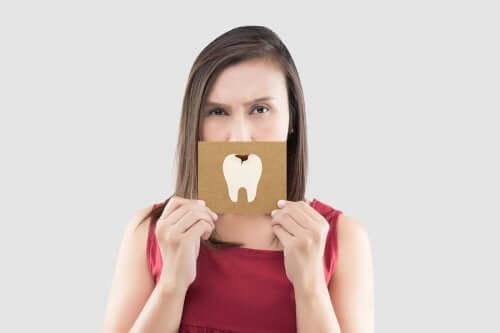 Ameliorarea durerii de dinți cu 5 remedii rapide