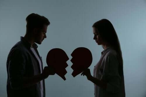 Descoperă 5 obiceiuri care pot ucide o relație