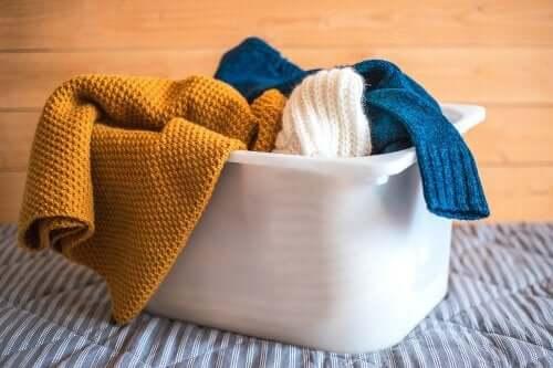 Cele mai bune trucuri pentru spălarea hainelor din lână