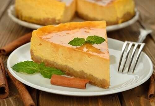 Felie de cheesecake pina coloda fără coacere