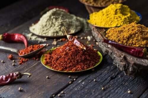 5 condimente utile împotriva durerii de genunchi
