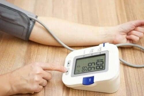 Hipertensiunea pe lista de efecte secundare ale amlodipinei