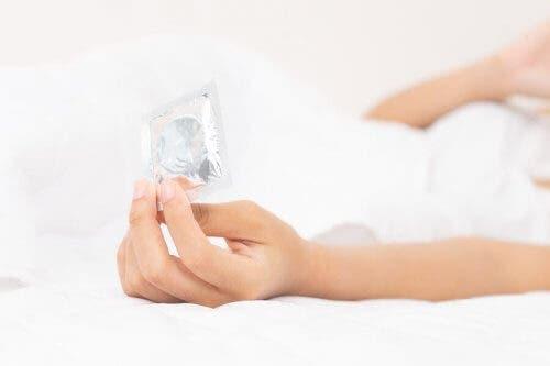 7 informații despre prezervativul feminin