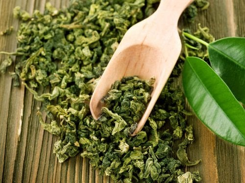Frunze uscate pentru tratarea acneei cu ceai verde