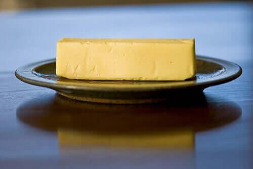 Ce sunt grăsimile hidrogenate din margarină