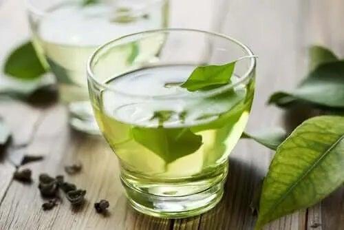 Infuzie din plante medicinale utile pentru indigestie