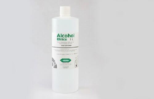 Sticlă cu alcool etilic
