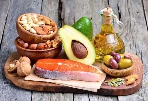 Alimente bogate în grăsimi sănătoase