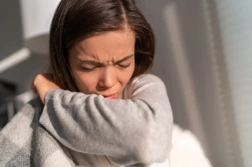 Bolnav care se întreabă cum au apărut alergiile