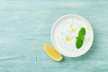 Descoperă o rețetă delicioasă de sos de iaurt