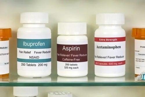 Cutii cu medicamente analgezice