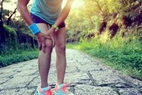 genunchiul doare în timp ce aleargă