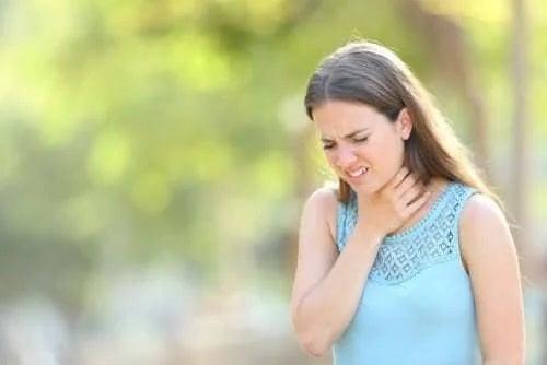 Excesul de mucus la nivelul gâtului